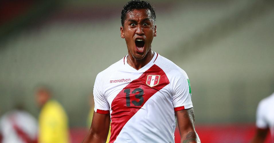 Tapia comemora o segundo gol do Peru contra o Brasil