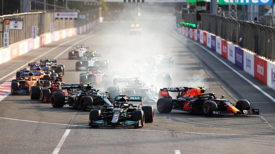 Lewis Hamilton erra na relargada e perde a chance de vencer o GP do Azerbaijão - Clive Rose/Getty Images