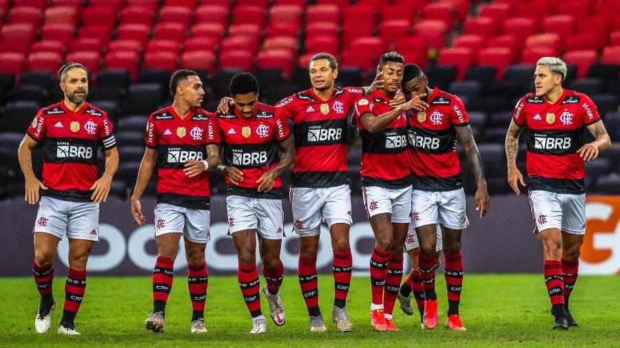 Flamengo comemora gol de Bruno Henrique em jogo contra o Fortaleza - Marcelo Cortes/Flamengo