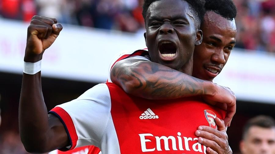 Bukayo Saka comemora terceiro gol do Arsenal contra o Tottenham na Premier League - REUTERS