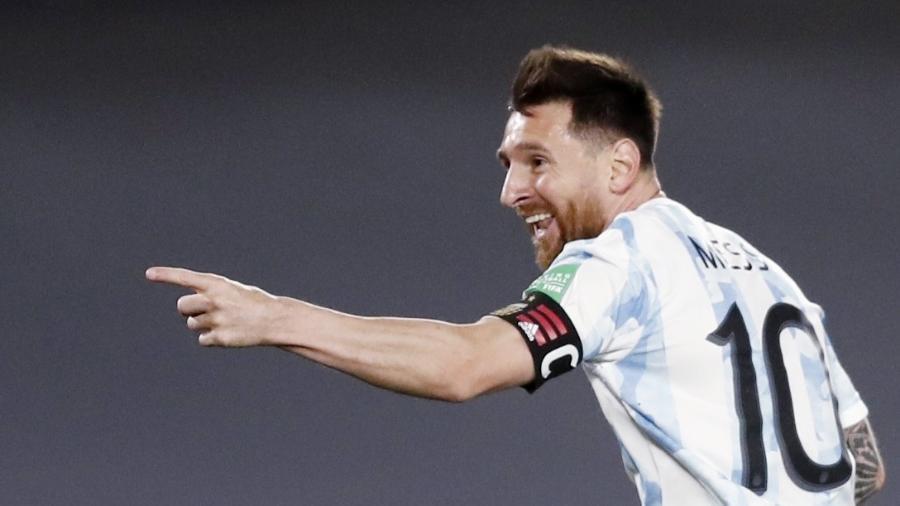 Lionel Messi comemora gol na vitória da Argentina sobre o Uruguai nas Eliminatórias da Copa - REUTERS/Agustin Marcarian