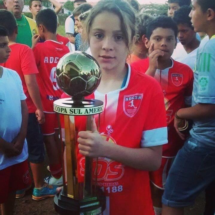 Laura joga pelo time campeão em São Carlos, mas não pode participar da etapa regional porque é menina