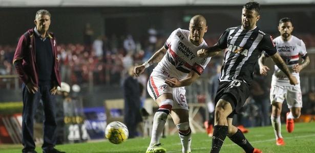 Rivais no futebol brasileiro, Bauza e Pratto vão se reencontrar na seleção argentina