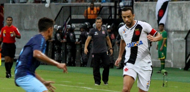 Vasco e Londrina fizeram um duelo disputado na Arena da Amazônia