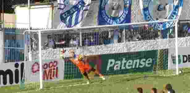 Juninho, goleiro da URT, foi alvo de brincadeira do Fantástico - Douglas David/Cabeça Esportes