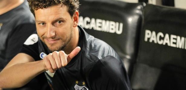 Elano comandou o Santos em dois jogos e conquistou duas vitórias no Brasileirão