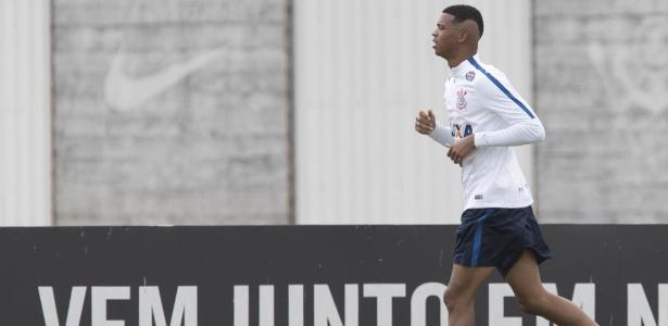 Carlinhos, jovem atacante da base do Corinthians busca oportunidades