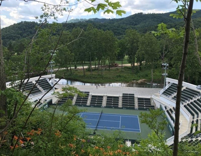 The Greebrier, resort clássico escolhido por times de futebol americano para pré-temporada