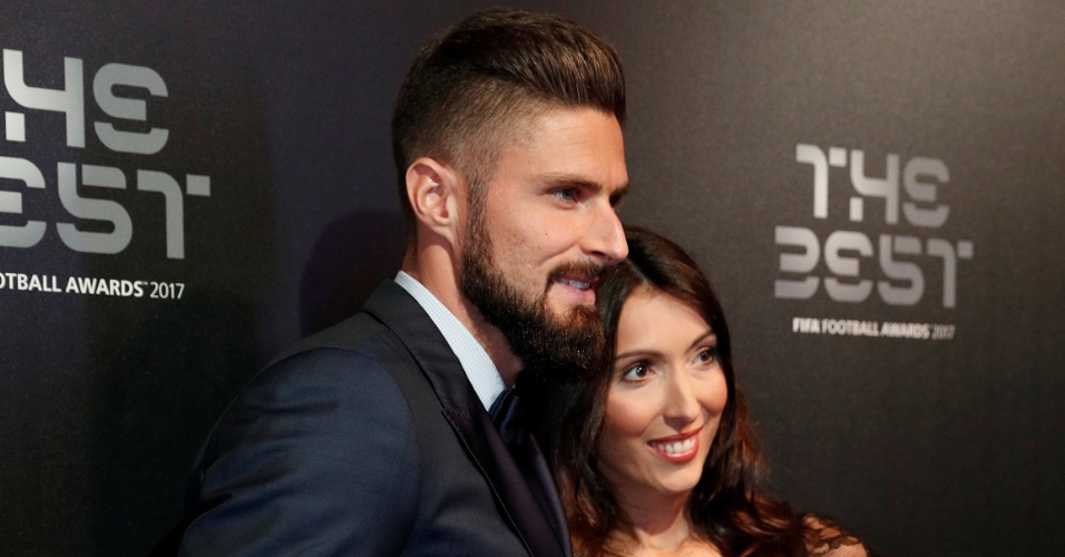 Olivier Giroud, da Fifa, com a mulher Jennifer Giroud no evento dos melhores da Fifa