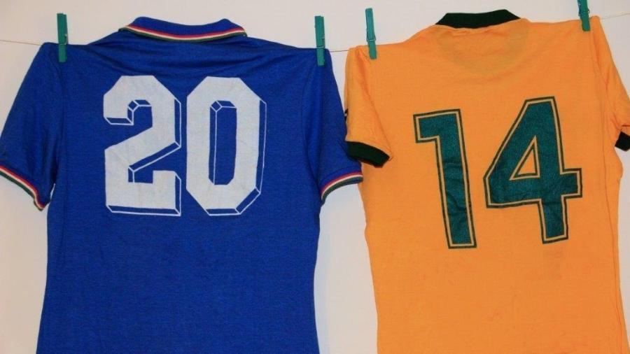 Camisa de Paolo Rossi que parou nas mãos de Juninho Fonseca, que nem jogou contra a Itália - Arquivo Pessoal