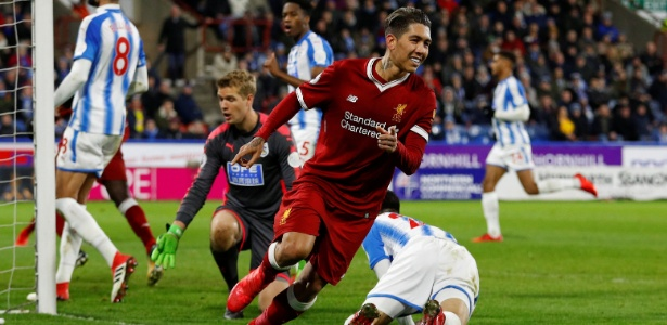 Roberto Firmino comemora gol do Liverpool