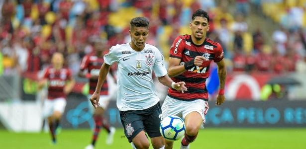 Lucas Paquetá (à direita) foi convocado pela seleção brasileira e deve ser desfalque na Copa do Brasil - Thiago Ribeiro/AGIF