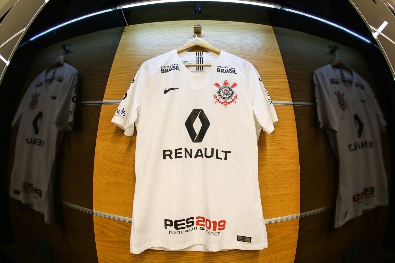 e9879fd932 Corinthians acerta patrocínio pontual com Renault e fatura R  1 mi na final  - 17 10 2018 - UOL Esporte