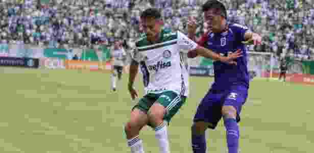 Scarpa definiu o resultado no Paraná e manteve a longa invencibilidade do Palmeiras - Robson Villela/Estadão Conteúdo