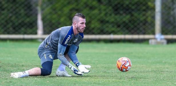 Paulo Victor fechou o ano passado no time titular, mas em virtude de lesões em M. Grohe - Lucas Uebel/Grêmio