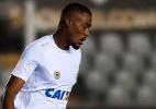 Zagueiro Sabino reforça o Coritiba, que ainda espera por Rodrigão e Santos - Divulgação/Twitter Santos FC