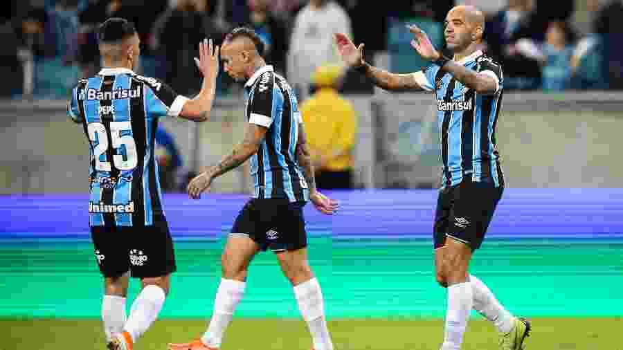 Atacante conversou com Renato Gaúcho sobre planos para o restante da temporada no Grêmio - Pedro H. Tesch/AGIF