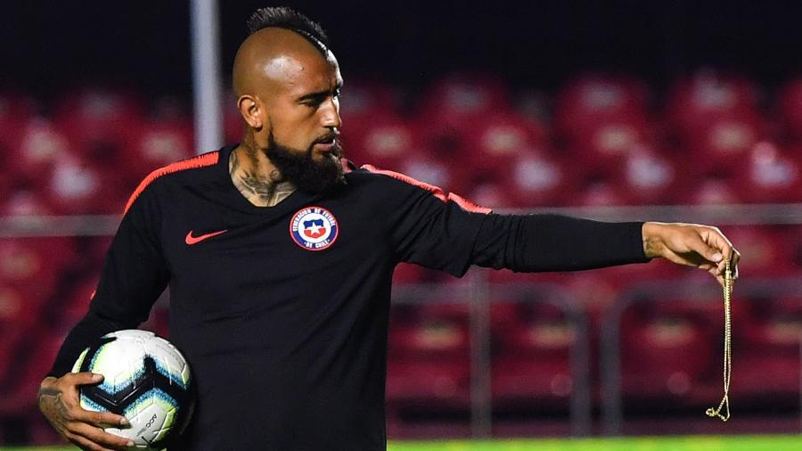 Vidal, durante treino da seleção chilena no Morumbi - NELSON ALMEIDA / AFP