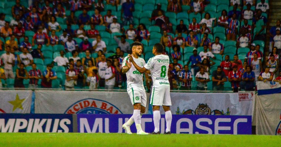 Henrique Almeida comemora gol da Chapecoense contra o Bahia