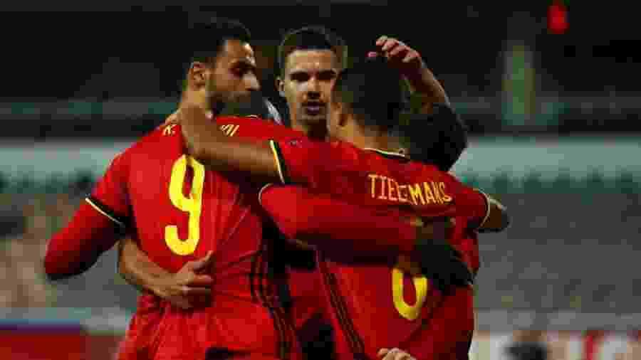 Jogadores da Bélgica comemoram gol contra a Dinamarca pela Liga das Nações - Dean Mouhtaropoulos/Getty Images)