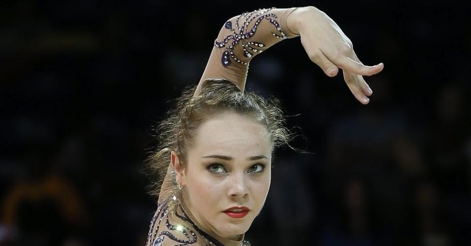 Angélica Kvieczynski terminou em 3º na fase classificatória da ginástica rítmica do Pan de Toronto