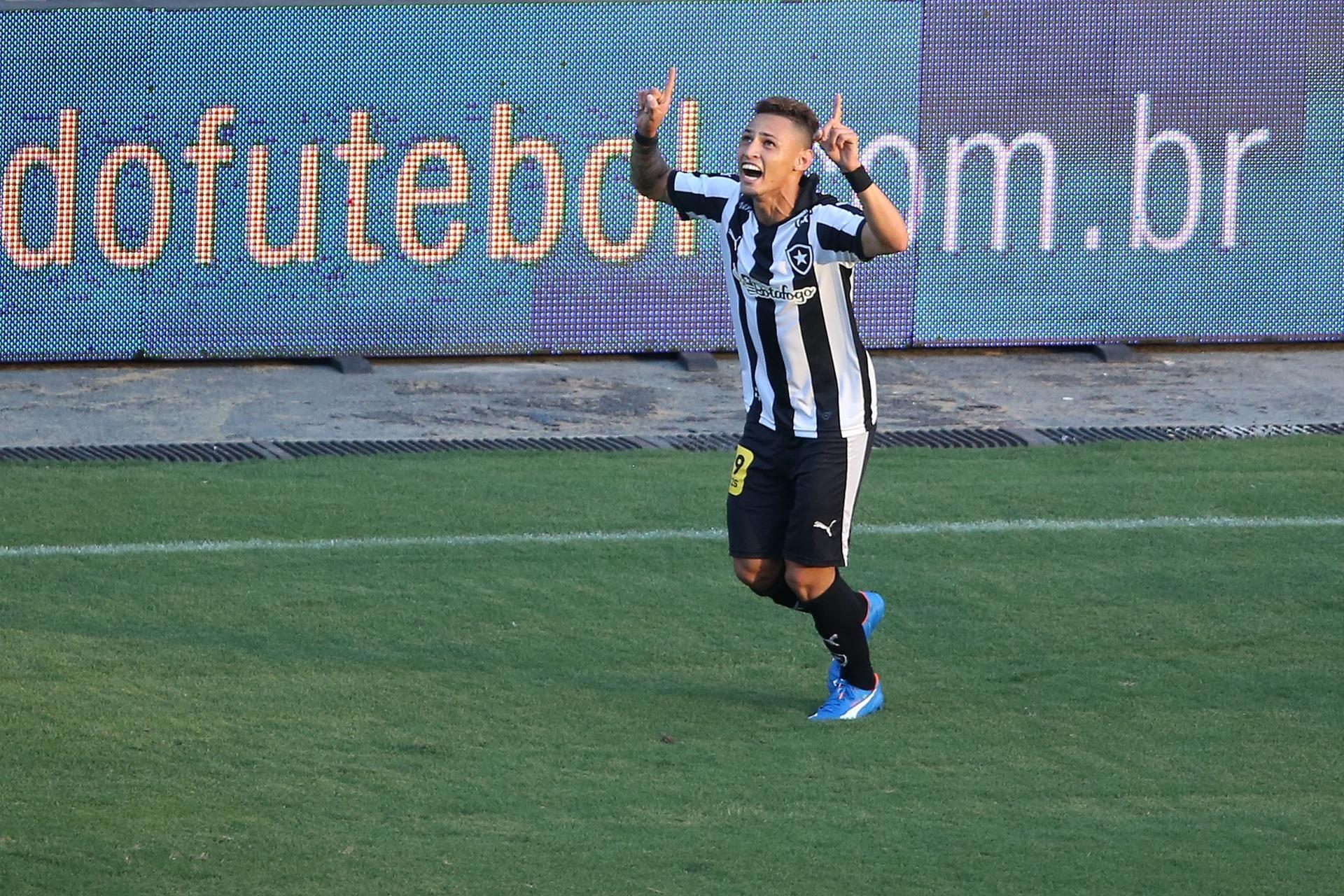 Deivid libera, e Neilton seguirá no Botafogo por mais uma temporada -  10 12 2015 - UOL Esporte 17b958c8cd