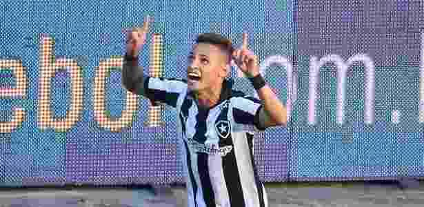 Deivid libera, e Neilton seguirá no Botafogo por mais uma temporada ... 22cd1fb765
