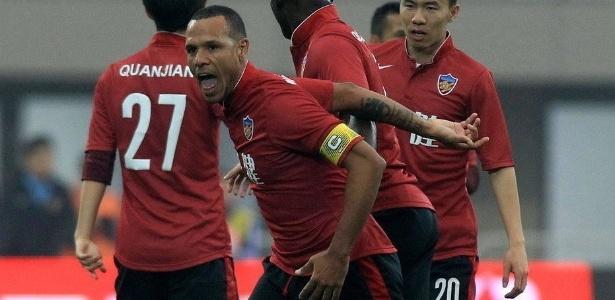 Luis Fabiano deixou o Tianjin Quanjian