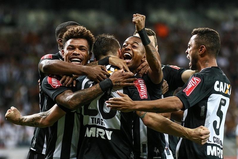 Jogadores do Atlético-MG comemoram gol que abriu caminho para goleada sobre o Melgar-PER