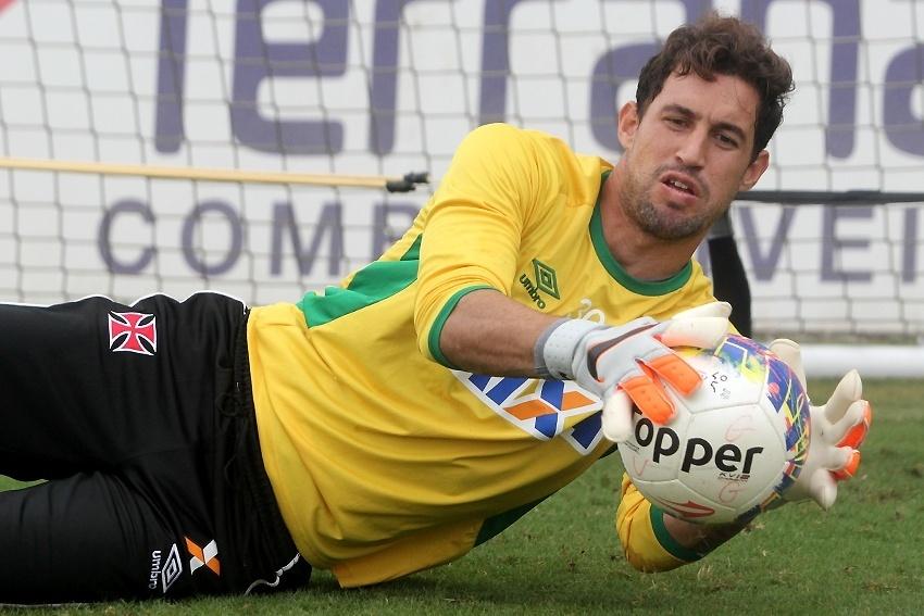 Goleiro Martín Silva tem sido um dos destaques do Vasco na temporada