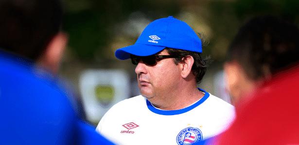 Guto Ferreira, técnico do Bahia, está na mira do Internacional para sequência do ano