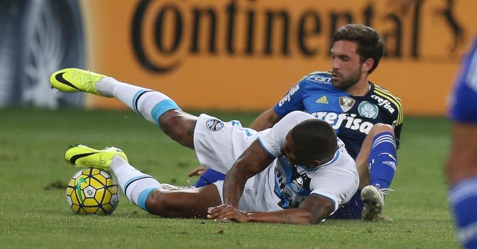 Allione faz falta durante a partida entre Palmeiras e Grêmio