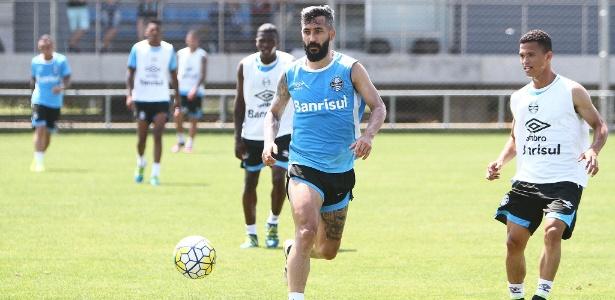 Grêmio eliminou treinos coletivos para evitar lesões e focou na intensidade