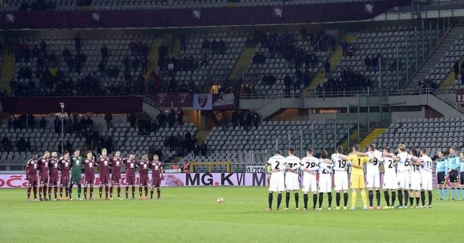 Torino, que já sofreu um acidente parecido, prestou homenagem ao incidente