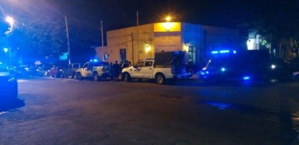 Operação policial acabou com uma pessoa não identificada sendo detida no imóvel