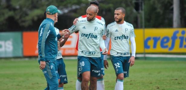 Felipe Melo discutiu publicamente com Omar Feitosa na segunda-feira