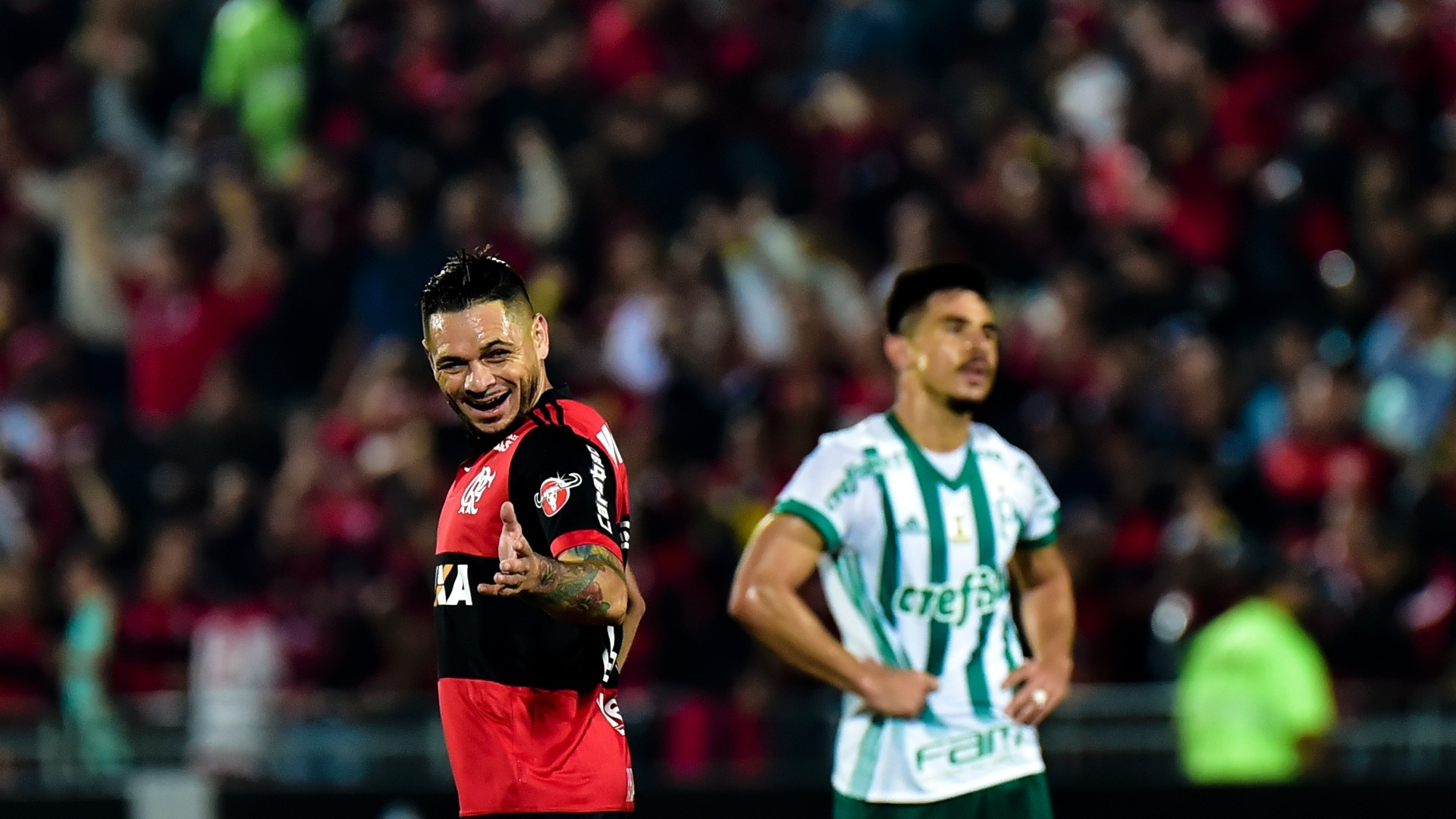 Pará comemora após marcar para o Flamengo contra o Palmeiras