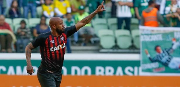 Thiago Heleno pode trocar de Atlético em 2018: do Paraná para Minas Gerais - Marcello Zambrana/AGIF