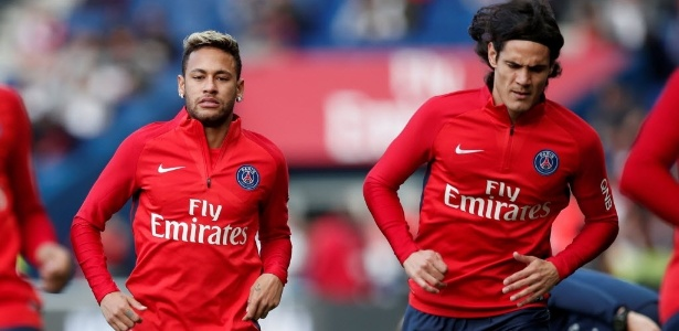 Neymar e Cavani se aquecem para duelo ente PSG e Bordeaux no Parc de Princes