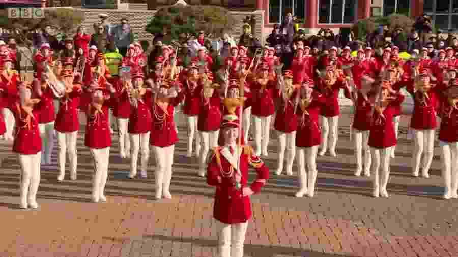 Cheerleaders da Coreia do Norte - Reprodução/BBC
