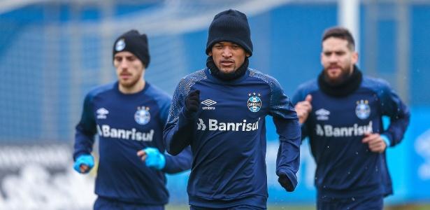 Volante Jailson durante treino físico no CT do Grêmio - Lucas Uebel/Grêmio