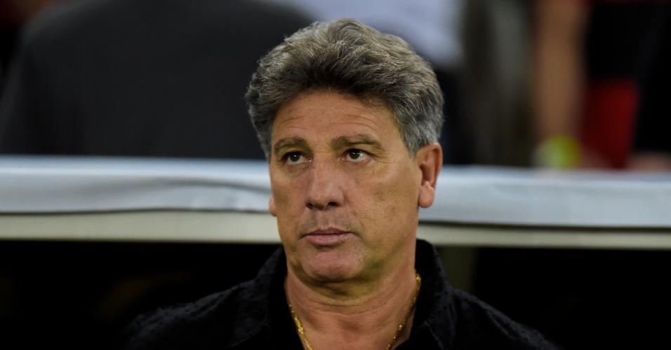 Renato Gaúcho acompanha jogo entre Flamengo e Grêmio