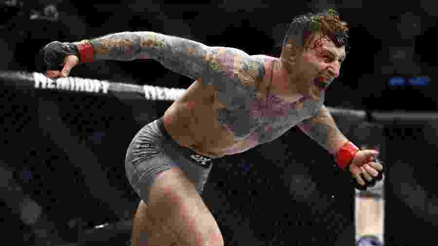 Gregor Gillepsie comemora após vencer no UFC Brooklyn - Noah K. Murray-USA TODAY Sports