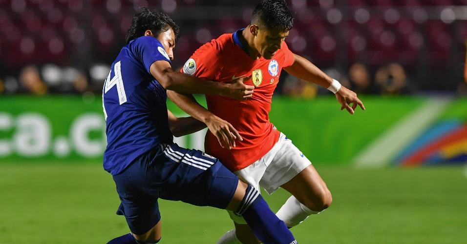 Alexis Sánchez, durante partida entre Chile e Japão