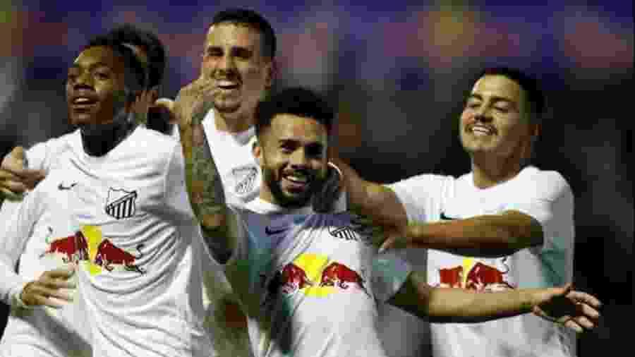 Claudinho comemora gol do Red Bull Bragantino na Série B do Campeonato Brasileiro - Divulgação