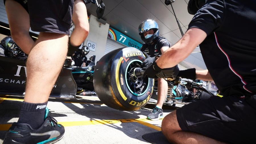 Mercedes pratica pitstops antes da primeira corrida do ano na Áustria - LAT/Mercedes