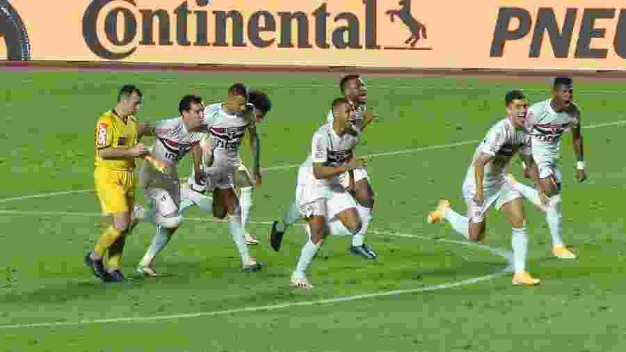 São Paulo enfrenta o Lanús após uma classificação diante do Fortaleza pela Copa do Brasil - Bruno Ulivieri/Bruno Ulivieri/AGIF