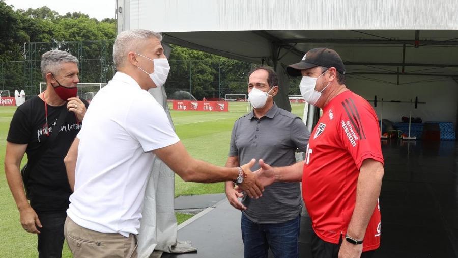 Hernán Crespo e Muricy Ramalho se encontram com Marcos Vizolli no São Paulo - Divulgação/SPFC