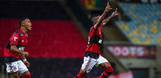 Jovem Max vive noite de herói no Flamengo