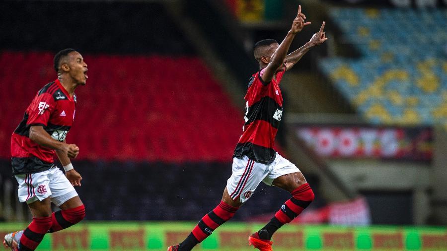 Max, do Flamengo, comemora seu gol sobre o Nova Iguaçu - Marcelo Cortes / Flamengo